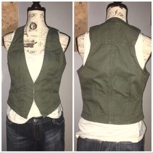 Military green casual vest